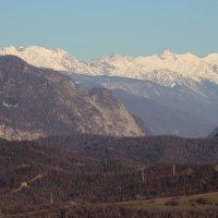 А в горах уже лежит снег. :: Larisa Gavlovskaya