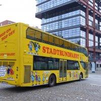 Двухярусный автобус для туристов :: Nina Yudicheva