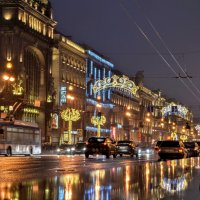 Невский проспект вечером :: Юрий Тихонов