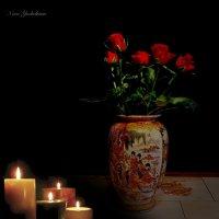 Ваза с розами и свечи :: Nina Yudicheva