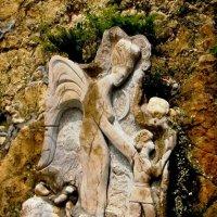 Памятник в скале :: Мария Коледа
