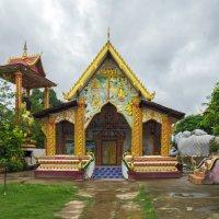 Лаос. Вьентьян. В монастыре :: Владимир Шибинский