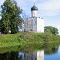 Церковь Покрова-на-Нерли :: Роман Раевский