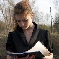 Портрет девушки при боковом освещении :: Людмила Синицына