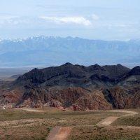 Подъезжая к Чарынскому каньону :: Сергей Ко