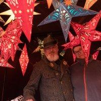 Торговцы сувенирами к Рождеству :: Анастасия Богатова
