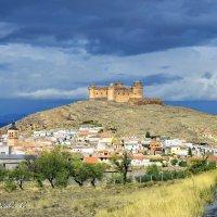 КАСТИЛЬО-ДЕ-ЛАКАЛАОРРА. Замок Лакалаорра. Андалусия.  Испания. :: Виталий Половинко