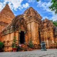 Буддийский храм По Нагар. Нячанг. Вьетнам. :: Rafael