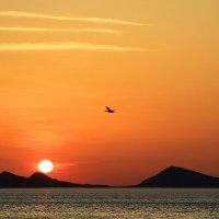 Восход солнца над мысом Киик-Атлама. :: Геннадий Валеев