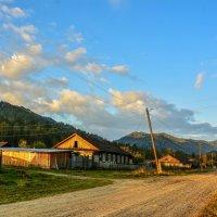 Утро в деревне. :: юрий Амосов