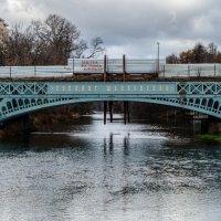 Городской пейзаж, строящийся мост :: Елизавета Голенок
