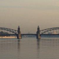 Большеохтинский мост (м.Императора Петра Великого) 1909-1911г :: Владимир Гилясев