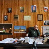 Портрет в кабинете :: Наталья Золотых-Сибирская