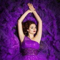Очарование в пурпурной оправе :: Виктор Зенин