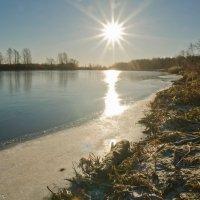 Солнце над рекой. :: Виктор Евстратов