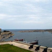 Вид с бастиона на залив :: Witalij Loewin