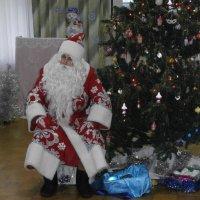 Дед Мороз бывает разным... :: Алёна Савина