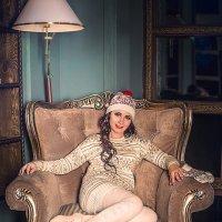 Девушка на кресле :: Виктор Седов