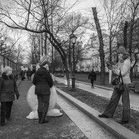 Девушку такого роста встретить запросто не просто... :: Ирина Данилова