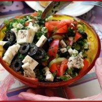 Салат с маслинами и сыром :: Андрей Заломленков