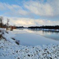 Январь,река.. :: Юрий Анипов