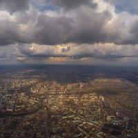 Весенний город с высоты :: Денис Сидорочев