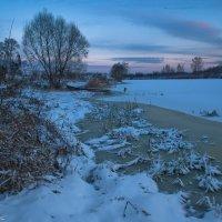 Морозным утром на реке. :: Виктор Евстратов