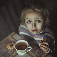 Чай, Варюшка, печенюшка... :: Наталия Полибина