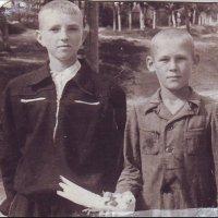 Дети войны, ушедшие так рано - в 38 и 45 лет...  1957 год :: Нина Корешкова