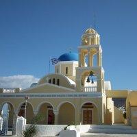 Церковь в городе Ия :: Natalia Harries