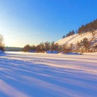 Длинные тени на снегу :: Анатолий Иргл