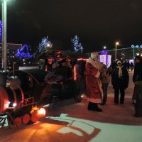 Волшебный паровозик  Деда Мороза. :: bemam *