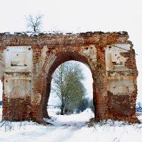 Старая арка :: Дарья Жбрыкунова