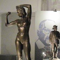 Женщина -гимнастка. 1947 год. :: Маера Урусова
