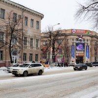 Зима в городе. :: Владимир Болдырев