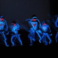 Танец в УФ свете :: Юрий