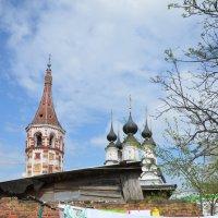 во дворе :: tatiana lanskaya