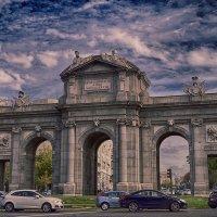 Триумфальная арка Пуэрта-де-Алькала :: Alex