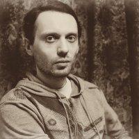 Портрет молодого мужчины :: Анатолий Бастунский
