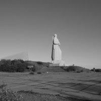 Памятник защитникам Заполярья. :: Olesya Khodnevich