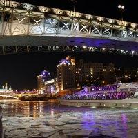 рождество плывет к нам в город :: Олег Лукьянов