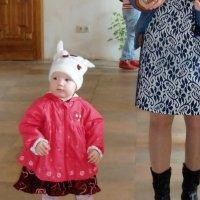Рядом с мамой. :: Нина