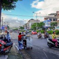 На улицах Нячанга. Вьетнам. :: Rafael