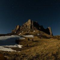 Большой Тхач в лунную ночь :: Александр Плеханов