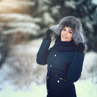 Анюта, зимний портрет :: Alex Lipchansky