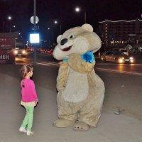 Встреча с олимпийским мишкой. :: Олег