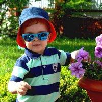 Лето в саду. :: Евгений Кузнецов