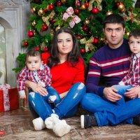 Студийные фотосессии. Красивая и замечательная семья :: Андрей Молчанов