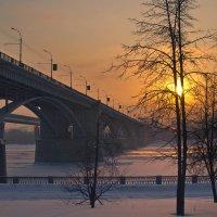Октябрьский мост и закат. :: cfysx