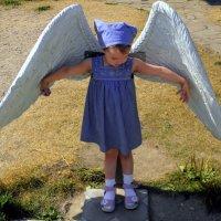 Примеряя ангельские крылья... :: Елена